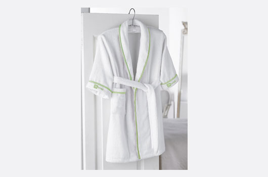 spa essentials robe